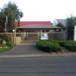 Schnehage Self Catering Units in Fichardt Park Bloemfontein