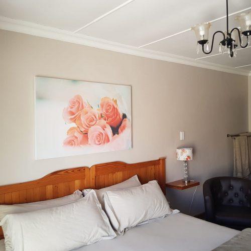 Self catering units fichardt park Bloemfontein Rose Room